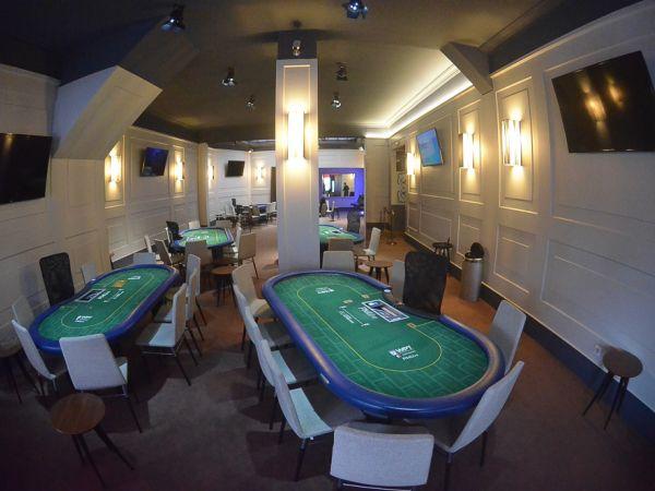 7 card stud poker games