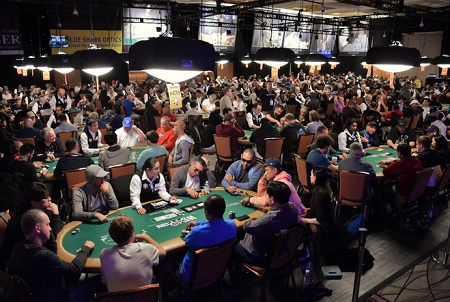 2019 WSOP: Chainsaw Kessler with a big stack after Main Event Day 1B