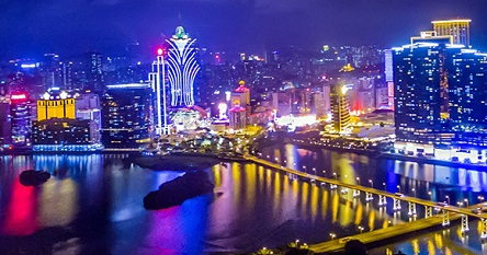 Macau shuts down casinos for 2 weeks to contain coronavirus